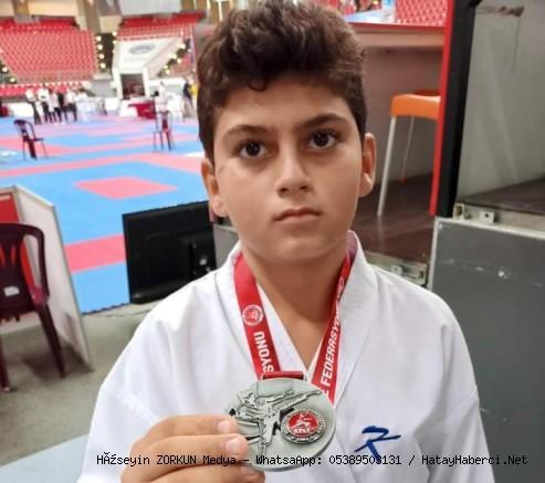 Şampiyon karateci...